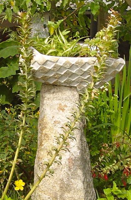 14 - Para el jardín - piedra granito