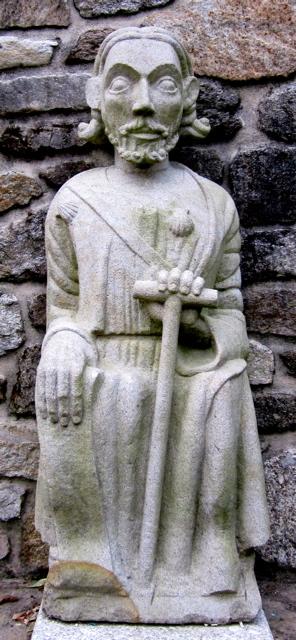 15 - Réplica Santiago sedente del s.XIV - piedra granito - 130cm alt. - 1990