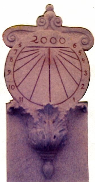 16 - Reloj de sol vertical sobre ménsula, hoja de acanto - piedra granito