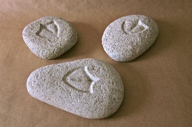 15 - Huella de gaviota patiamarilla (Larus michahellis) - piedra granito - 20x15x6cm aprox - Precio 25,00 €