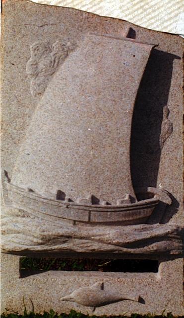 17 - Relieve barco - piedra granito