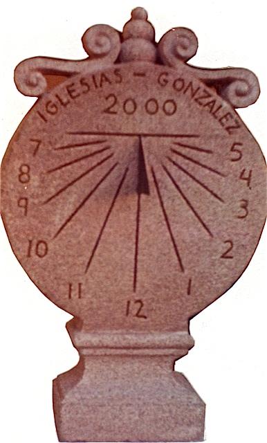 19 - Reloj de sol vertical - piedra granito