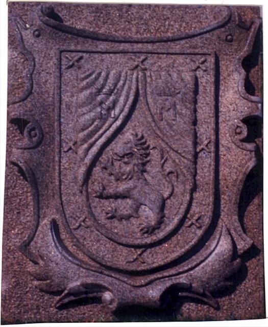 22 - Escudo Romay - piedra granito - Caamaño