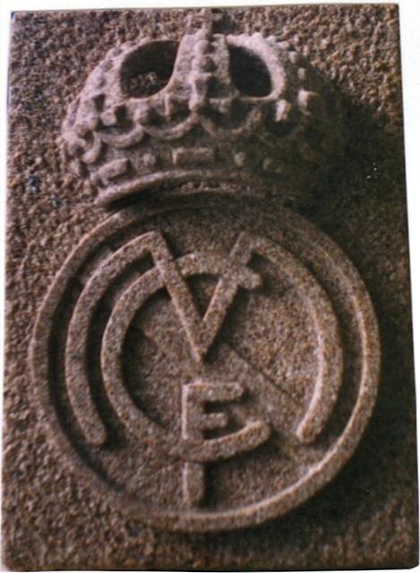 24 - Escudo Real Madrid - piedra granito