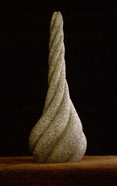 24 - Instrumento musical - piedra granito - 48x18x14cm -2003