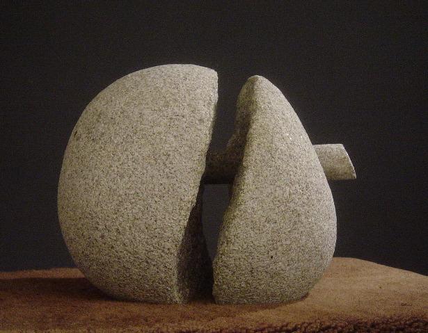 25 - Nexo - piedra granito - 23x23x23cm - 2003