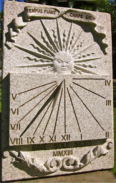 25 - Reloj de Sol vertical CARPE DIEM... - piedra granito
