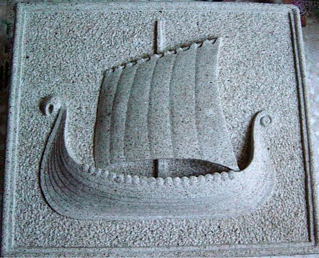 26 - Relieve barco vikingo - piedra granito