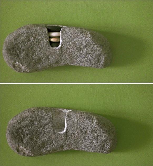 23 - Escultura de pared 4 - piedra granito - 22x11x7cm aprox - Precio 100,00 €
