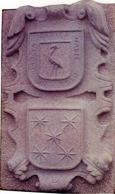 30 - Escudo doble - piedra granito