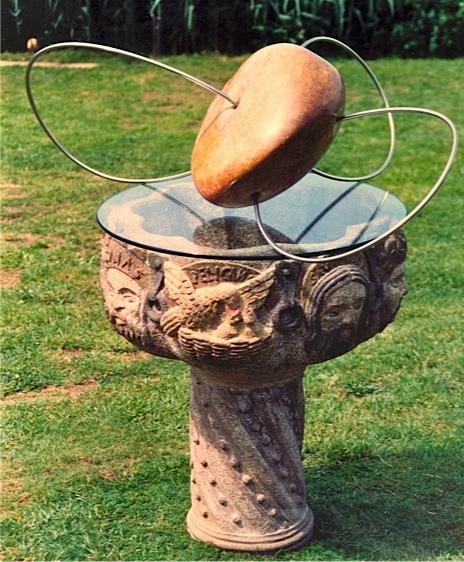 30 - Escultura sobre pila bautismal - piedra, cristal y acero inoxidable - 1991