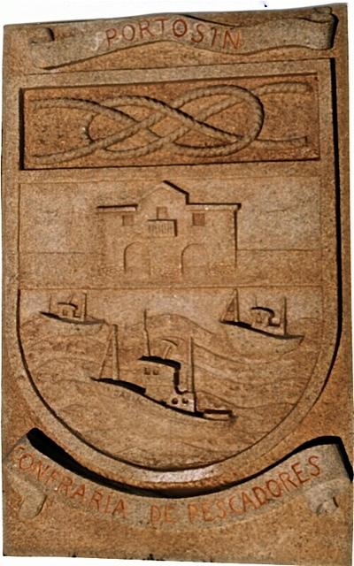 32 - Escudo Confraría de Pescadores. Portosín - piedra granito