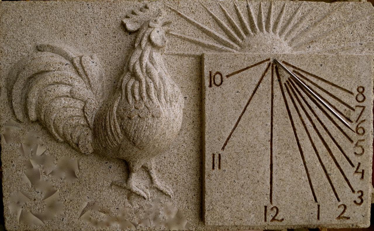 32 - Reloj de Sol con gallo - piedra