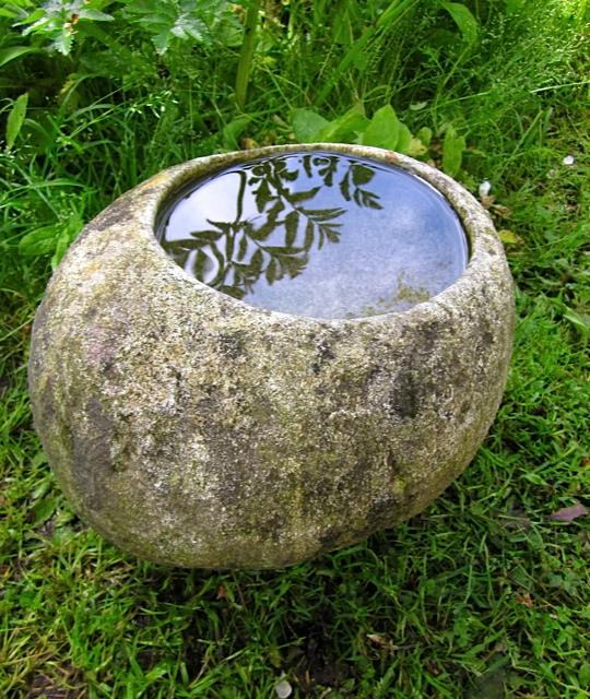 36 - Bebedero baño para pájaros - piedra granito