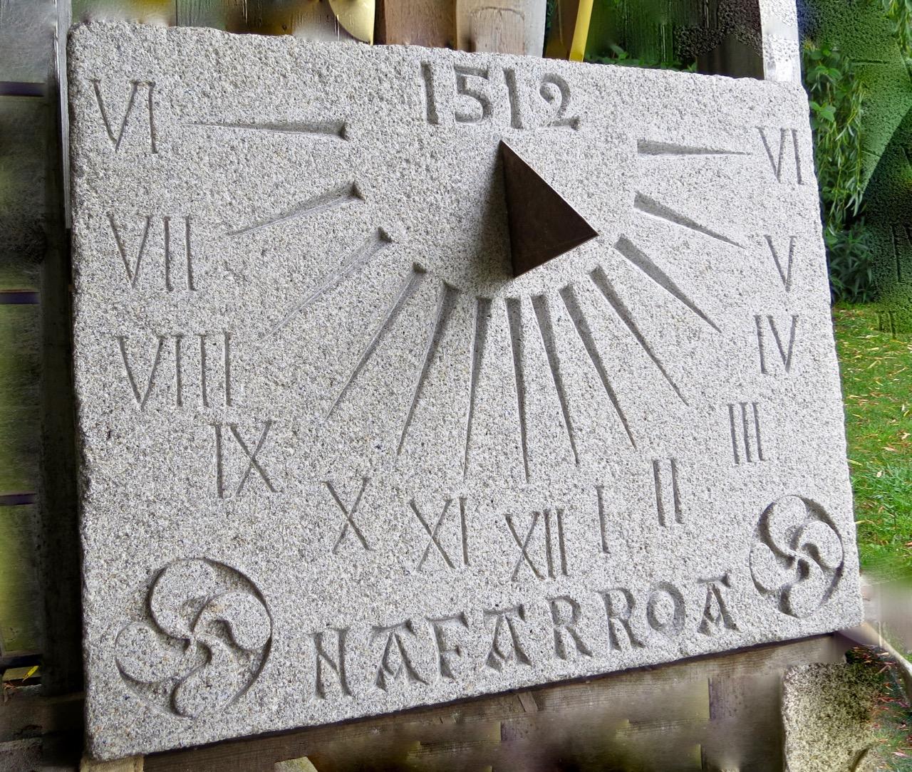 36 - Reloj de sol Nafarroa - piedra