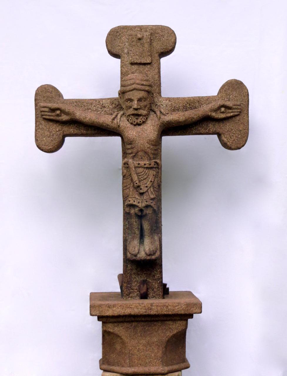 42 - Cristo románico
