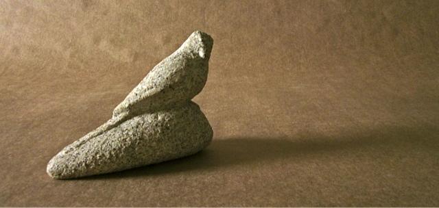 42- Pisapapeles con pajarito - piedra granito - 12x6x10cm aprox