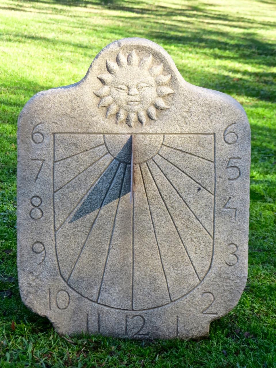 42 - Reloj de Sol - granito