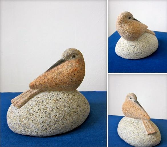 37 - Pisapapeles pájaro - Piedra granito pintado - 12x10x9cm aprox - Precio 60,00 €