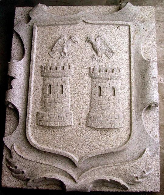 7 - Escudo - piedra granito